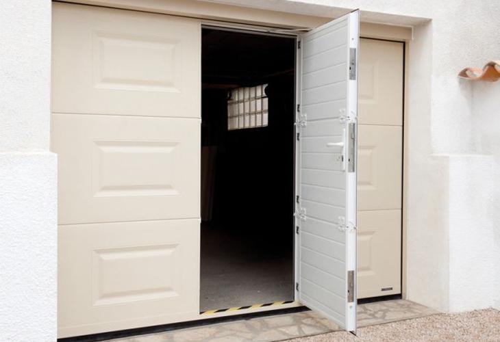 Portes De Garage PVC En Neuf Ou Rénovation Aix Les Bains Savoie - Porte de garage sectionnelle avec porte pvc renovation