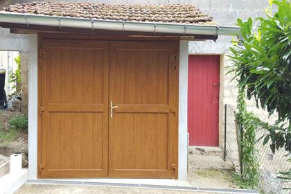 Porte de garage à battant 2 vantaux PVC